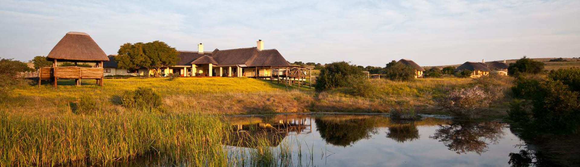 Hlosi Game Lodge Eastern Cape Main Lodge Exterior Watering Hole